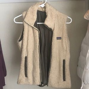 Patagonia fur vest small